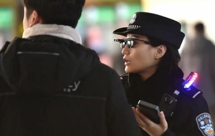 policajka.png