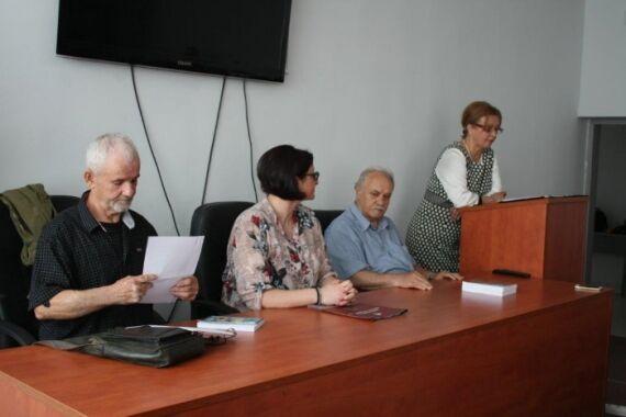 Sredba-na-Gorjan-Petrevski-so-studentite-na-FON.jpg