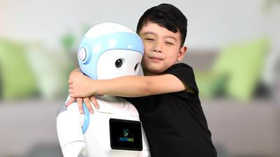 Робот ќе им биде најдобар другар на кинеските деца, ќе ги подучува математика и ќе им кажува шеги