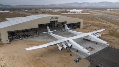 ВИДЕО: Најголемиот авион во светот полета за прв пат. Еве како изгледаше неговиот лет!