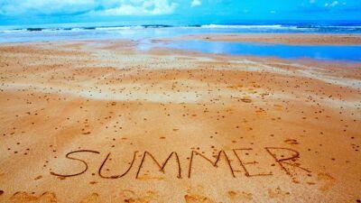 Како да патувате летово без да земете годишен одмор