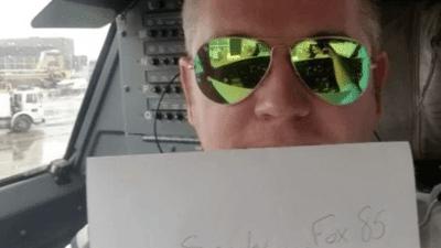 """Пилот објаснил зошто е важно да вклучите """"airplane mode"""" во авион"""