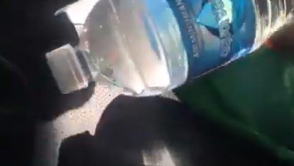 Правите МНОГУ голема грешка ако оставате шише вода во автомобил, ќе се исплашите кога ќе дознаете што може да се случи (ВИДЕО)