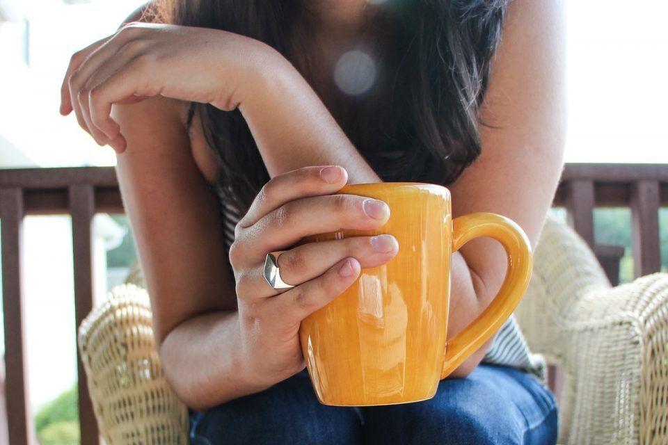 Температурите се високи, а на горештините правите голема грешка: Овие работи НЕ треба да ги пиете!